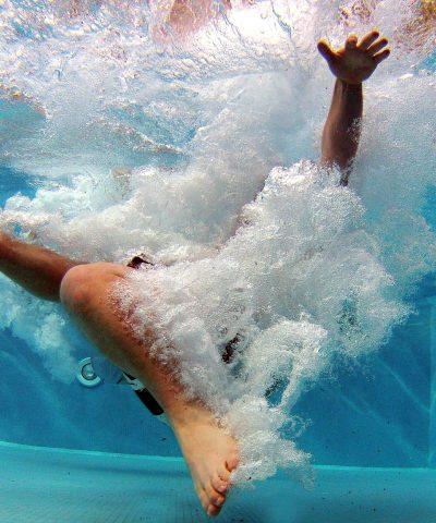 pool-519453_1920